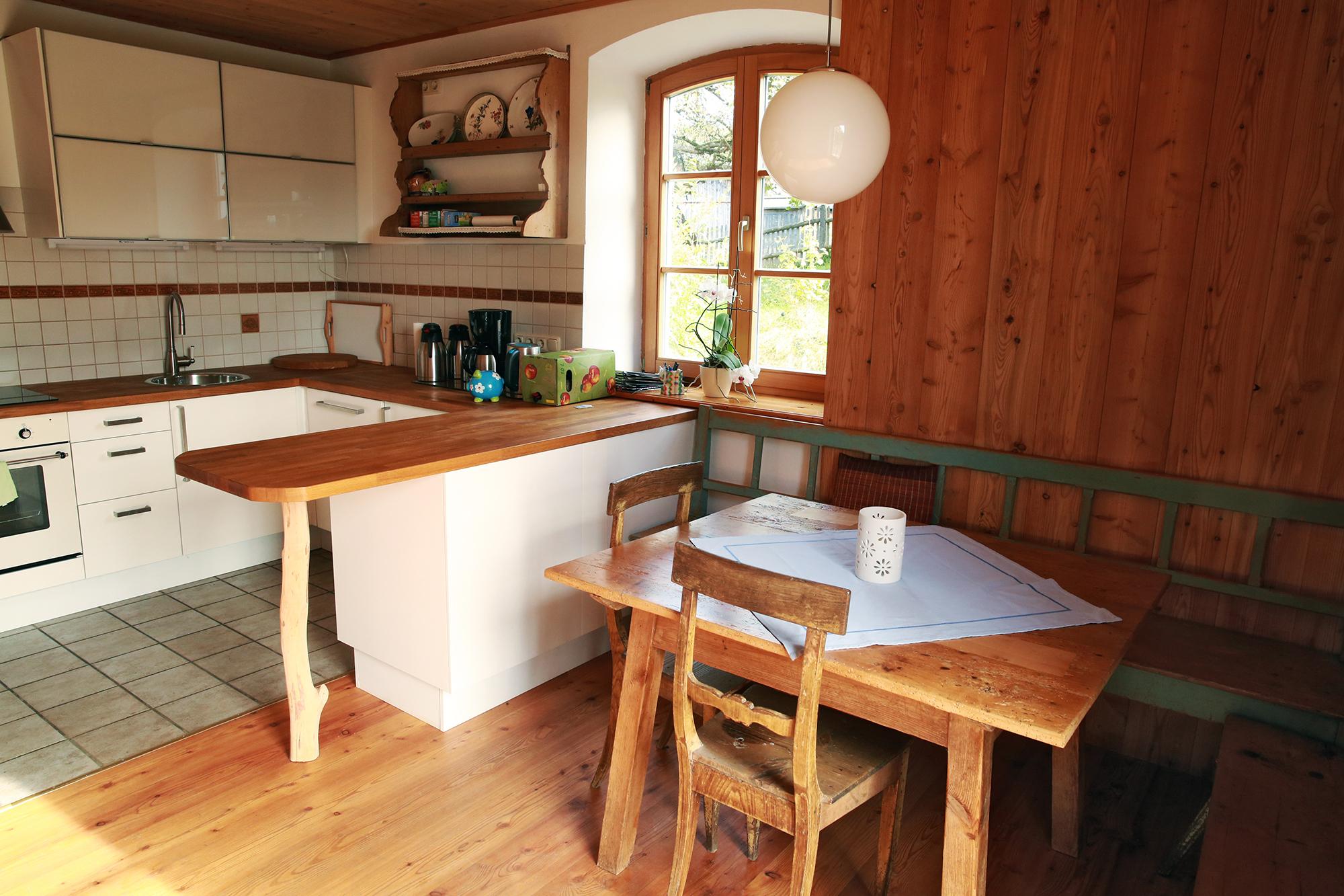 Wohnküche uhriger Tisch